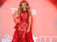 Mujer Latina canción interpretada por Thalia