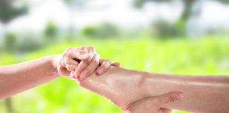 Buen masaje en los pies, relaja a las mujeres